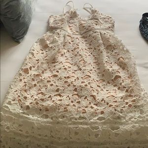 Whit midi dress